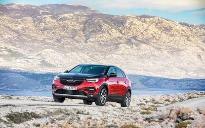 Pripravljeni, pozor, zdaj: Opel Grandland X tudi kot priključni hibrid s štirikolesnim pogonom