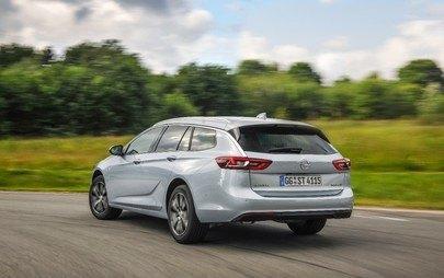 Sprejetih že 100.000 naročil za novo admiralsko ladjo Opel Insignio